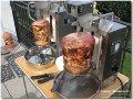 Ein Partyspaß der anderen Art - Überraschen Sie Ihre Gäste doch mit einem Gyrosspieß nach Original griechischer Rezeptur. Sie kaufen die benötigte Fleischmenge (ab 3kg) und die Miete für den Gyrosgrill ist inklusive !